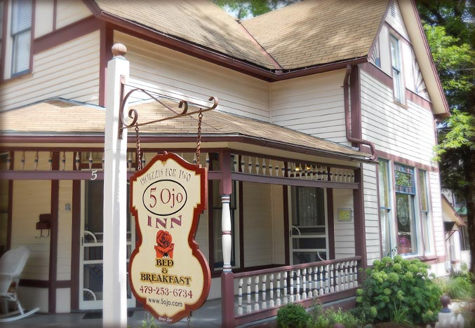 Safe Eureka Springs Getaway at 5 Ojo