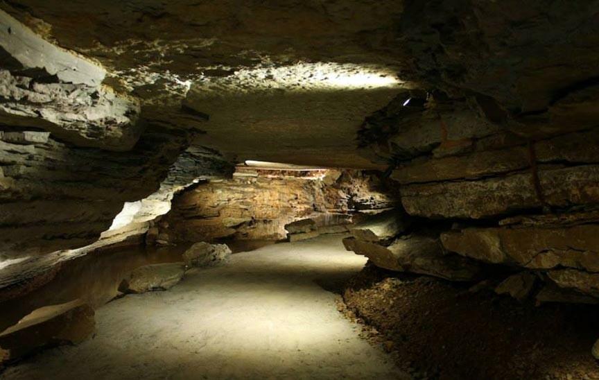 inside War Eagle Cavern