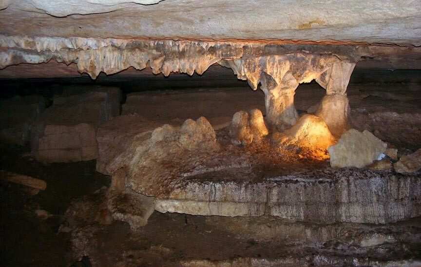 War Eagle Cavern formations