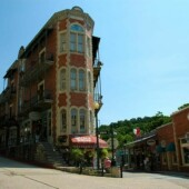 Downtown and Underground Eureka Springs Tour