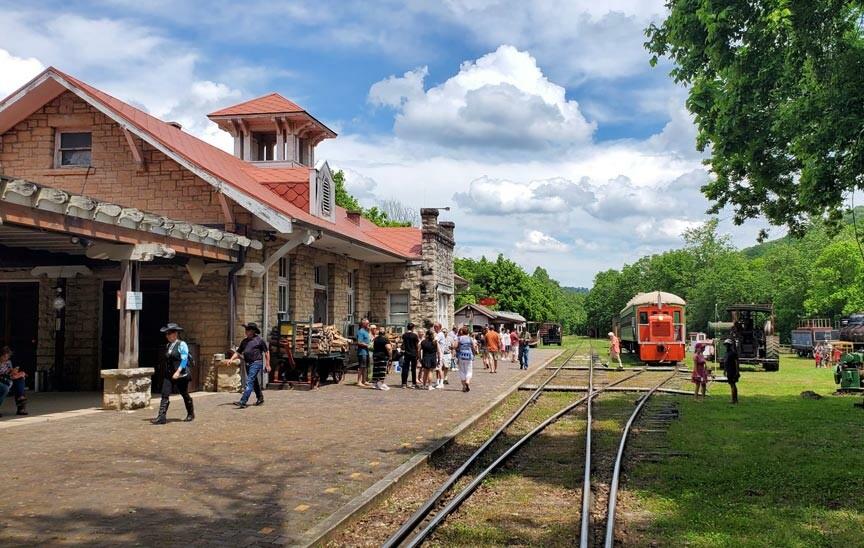 Eureka Springs & North Arkansas Railway depot and museum